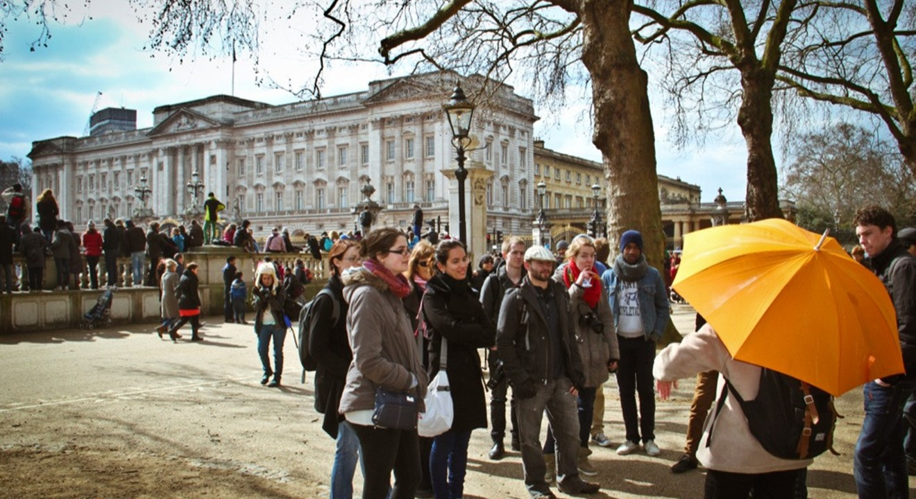 Undiscovered london our free guided london walking tour is the perfect introduction to london history and the area often referred to as royal london solutioingenieria Choice Image